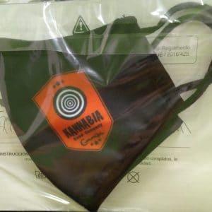 mascherina in tessuto nera riciclabile kannabia